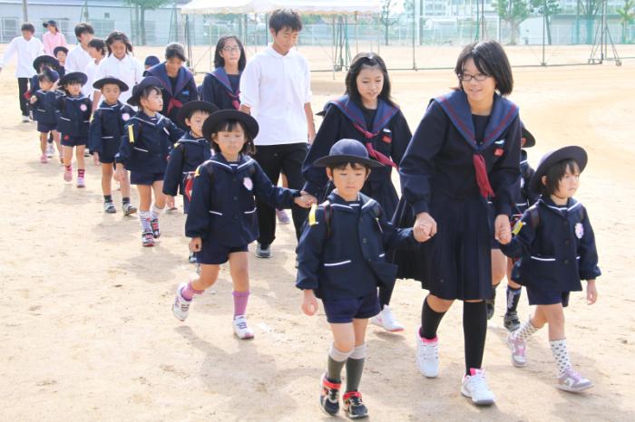10月23日 平田中学校と玉島幼稚...