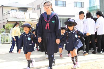 10月23日 平田中学校と玉島幼稚園が合同避難訓練を実施